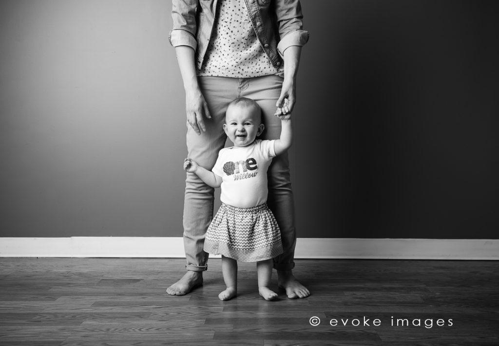 anchorage studio 1 year old portrait with mom