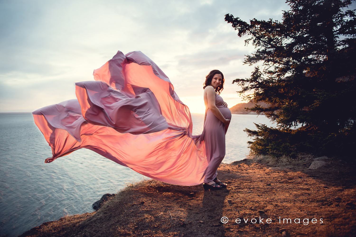Alaska Maternity photographer