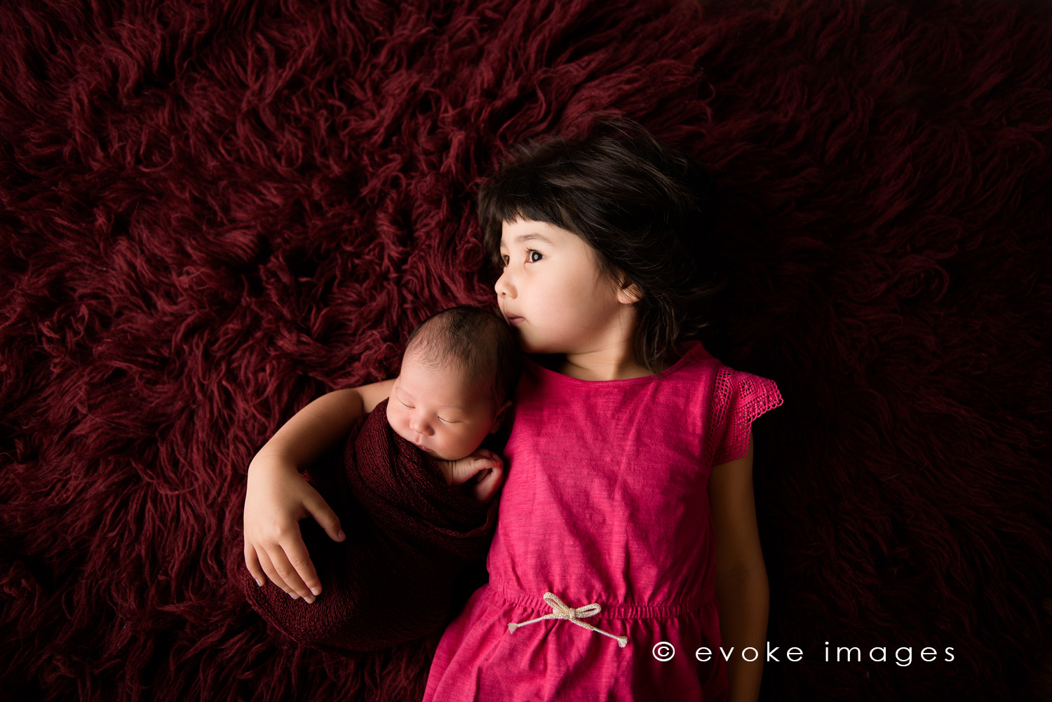 baby and big sister anchorage newborn studio photography