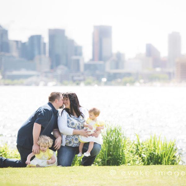 seattle skyline family photos